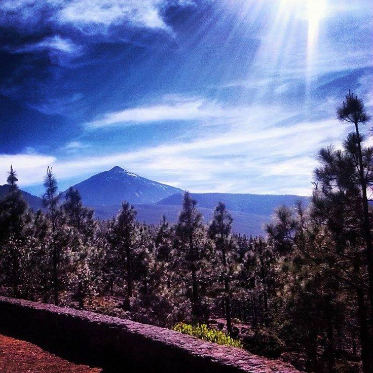 Pico del Teide, sopka na Tenerife. Udělejte si krásný výlet na své dovolené na Kanárských ostrovech.