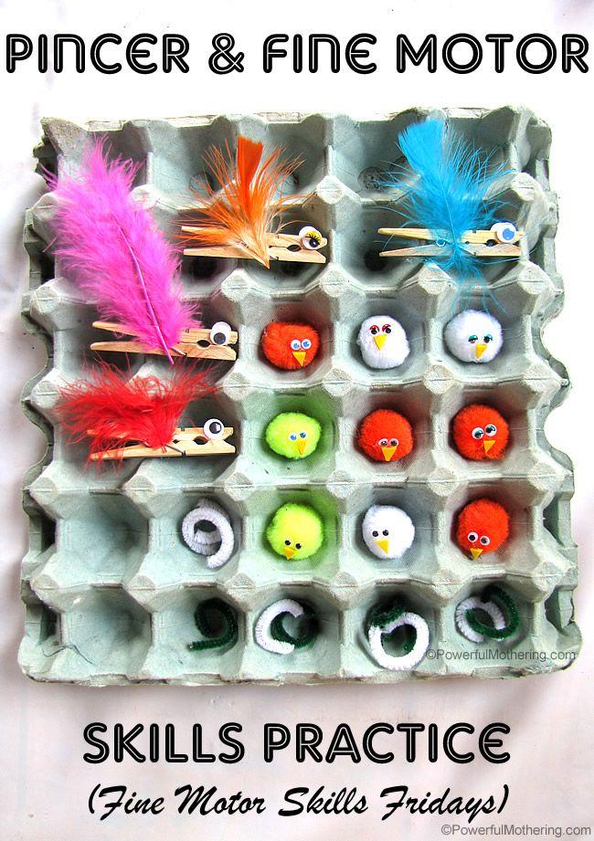 Vogelküken füttern und dabei ganz nebenbei die Feinmotorik trainieren - die perfekte Spielidee!