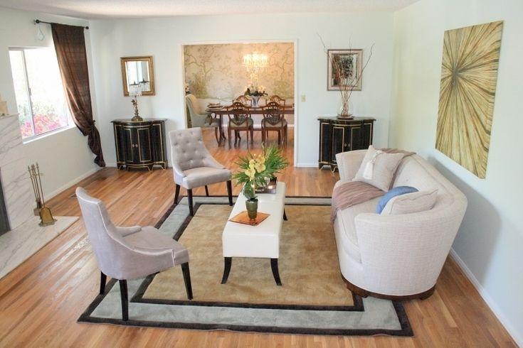 Feng Shui Wohnzimmer Einrichten Klassik Couch Rund Mitte Teppich Holzboden Fenster Antik Moebel