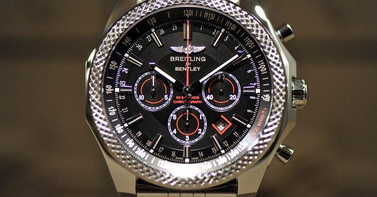 Como identificar uma réplica Breitling. Os relógios Breitling são fabricados por uma empresa suíça fundada em 1884. Como são cronômetros certificados, eles se tornaram instrumentos profissionais na aviação. Os modelos grandes facilitam a visão dos mostradores e permitem várias funções. Ele é considerado um relógio de luxo, e falsificações são comumente vendidas. Algumas dicas podem ...