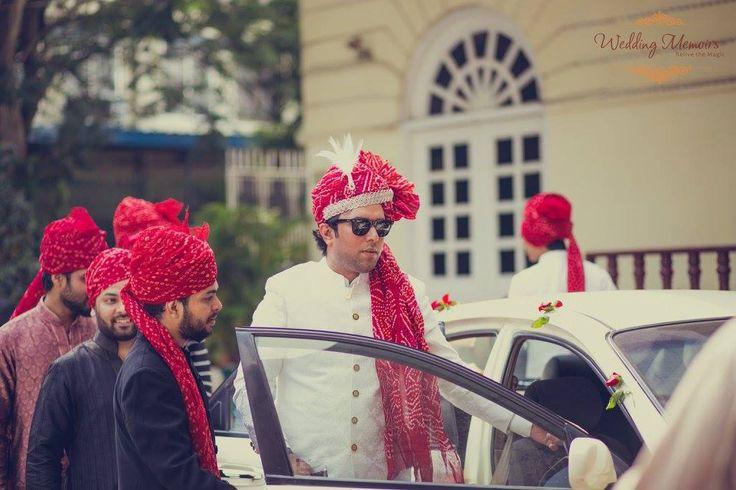 The groom arrives!