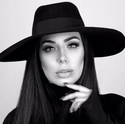 Huda Kattan, the Dubai-based beauty influencer whose lashes sell out at Sephora, is becoming ever-more popular in the United States. We've been covering her amazing makeup tricks for a while, then The New Yorker profiled her, and now W...