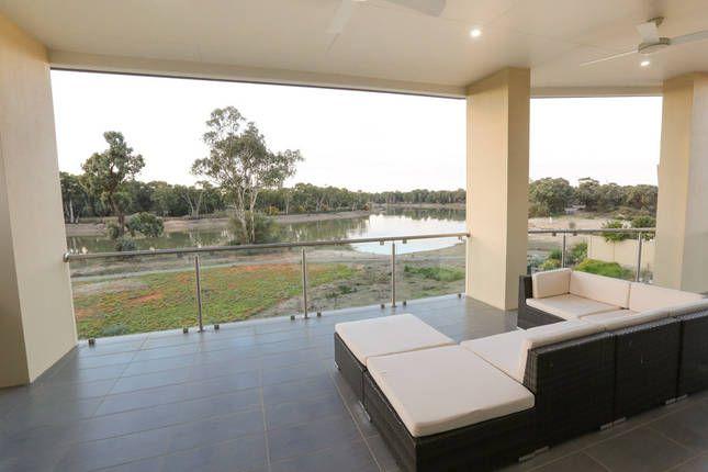 Indulge Luxury Homes - MILDURA MARINA | Mildura, VIC | Accommodation