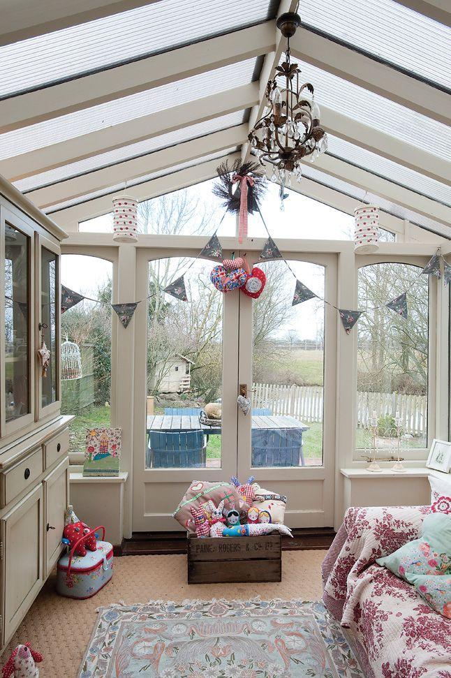 18 Small Conservatory Interior Design Ideas