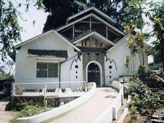 Makam Keramat Cinunuk Wanaraja | Hotel di Garut | HdG Team