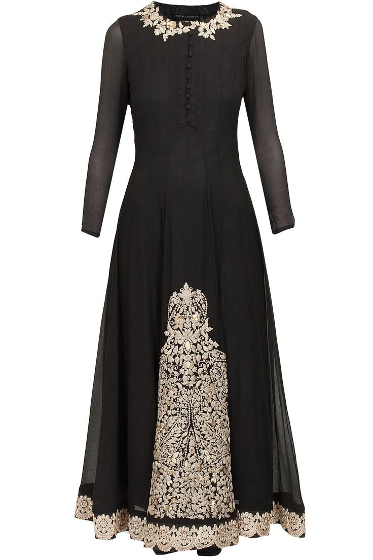 Black embellished kurta set available only at Pernia's Pop-Up Shop.