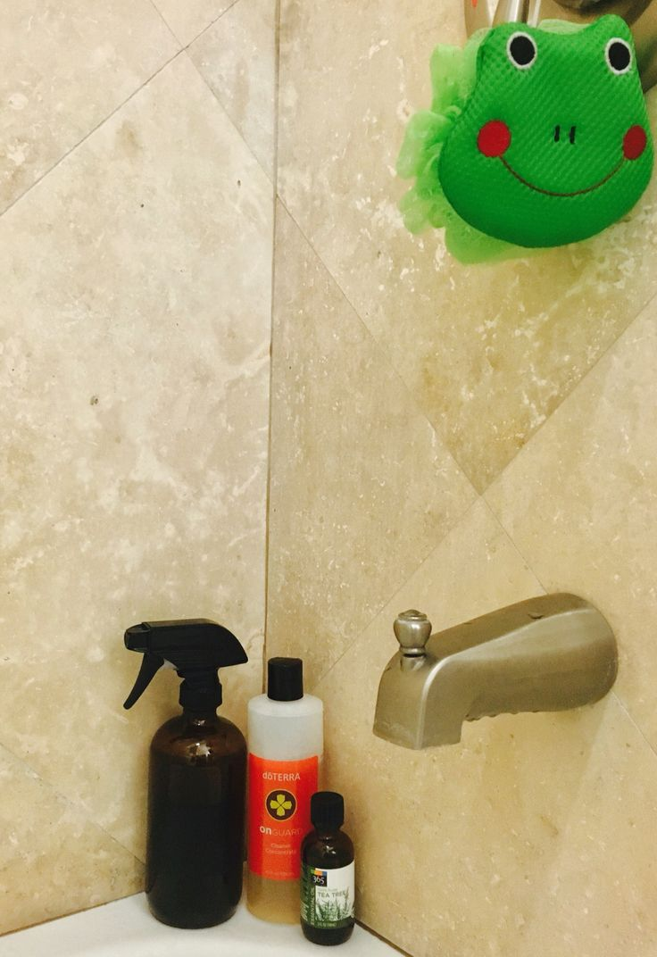 My Homemade Shower Cleaner With Essential Oils 1 4 White Vinegar 2 Tbsp Of Doterra On Guard