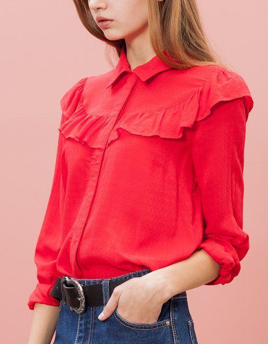 En Stradivarius encontrarás 1 Camisa volante para mujer por sólo 19.95 € . Entra ahora y descúbrelo junto con más ROPA.
