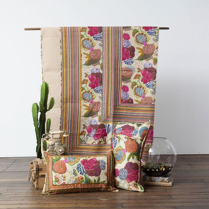 Fruity Flowers Quilt (beige) with 2 pillow covers