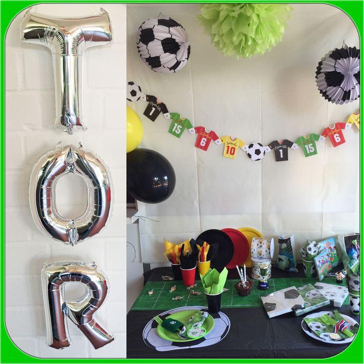 Girlande, Partygeschirr, Geschenktüten für Fussball Party Deko