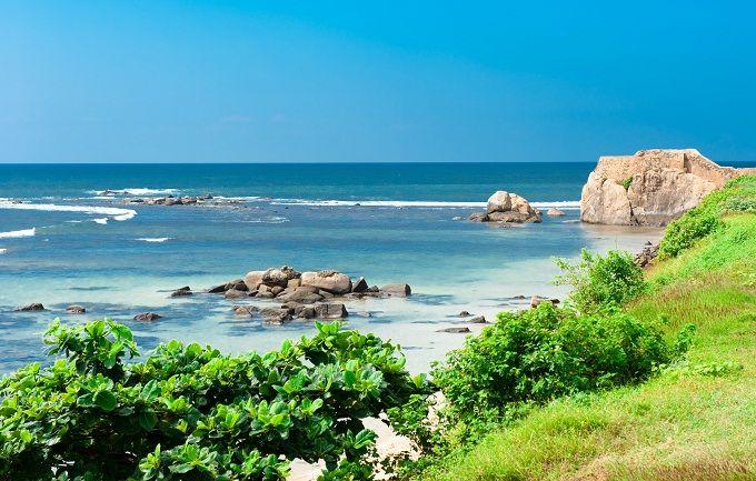 Ammirate le meraviglie di Unawatuna, una delle più belle spiagge al mondo, e poi sognate a occhi aperti di fronte allo spettacolo del sole che si tuffa nelle acque dell'Oceano Indiano nelle ore più dolci della giornata, magari al fianco del vostro innamorato. Lo Sri Lanka è una terra magica, ricca di spiagge lunghe e ombreggiate da palme da cocco.