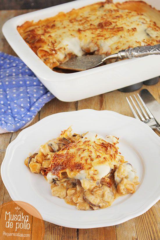 Hoy vamos a preparar una receta de moussaka o musaka diferente: una moussaka de berenjenas con pollo. No os perdáis esta receta paso a paso.