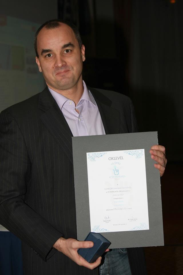 ÉV HONLAPJA 2011 pályázaton Közösségi oldal kategóriában Minőségi díj a Hogyankell.hu oldalával.