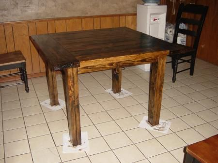 Best 25 square kitchen tables ideas only on pinterest small farmhouse table small breakfast - Ana white kitchen table ...