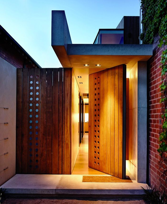 Love the wood & glass on this really great looking door! schulberg demkiw architects