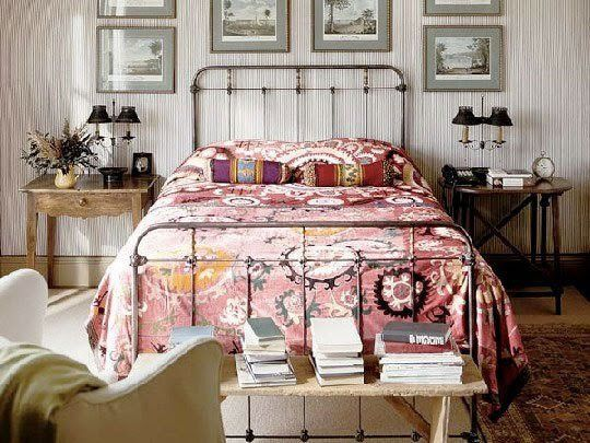 Bedside Beauties: Oriental Rugs and Kilims in the Bedroom   Apartment Therapy