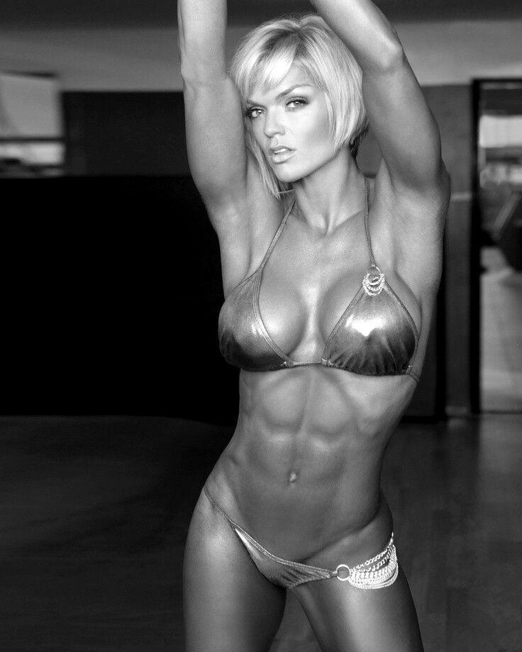 Female Abs Muscle Woman Fitness Model Sports Motivation Forumphilia 1