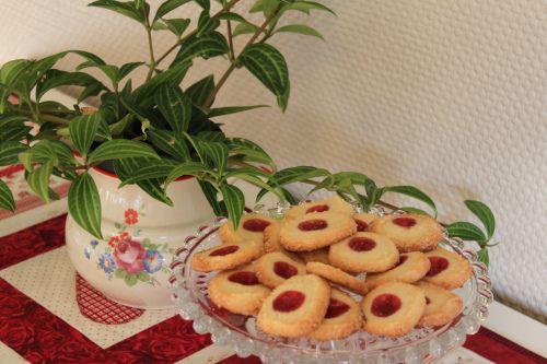 Frøken Aker baker kaker.. (fruaker)