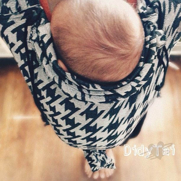 Didy Meh-Dai Houndstooth kirsten-ayde-garza-didytai-sleepy-dust-didy-tai-wcmt-houndstooth.jpg  #didymos #babywearing #wovenwrap #carrythem #babysling #wearallthebabies #babytragetuch #since1972 #attachmentparenting #naturalparenting
