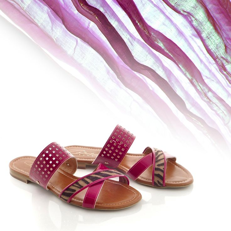 Amazing  #handmade #flatsands in #burgundycolour!!  See more #shoes here: http://www.chaniotakis.gr/gr/gynaikeia-papoutsia4/sagionares.asp