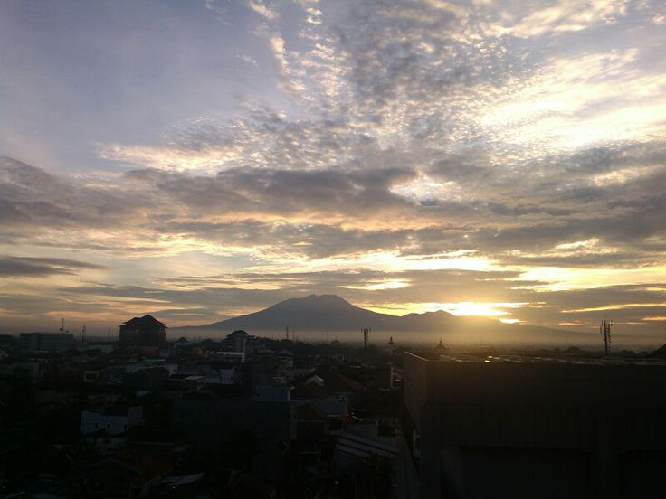 Sunrise at rooftop #solo