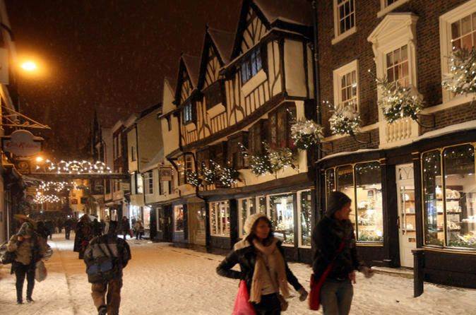 Private York Christmas Walking Tour Let your own private guide take you around the world famous city of York, which is at its most beautiful during the Christmas season. Yourbespoke tour will include visiting some of the key sites of the city, in addition to a number of our hidden gems usually missed by tourists, with your well informed and friendly guides.York is world famous for its 2000 years of history, and there is no better time to visit than during the Christmas holida...