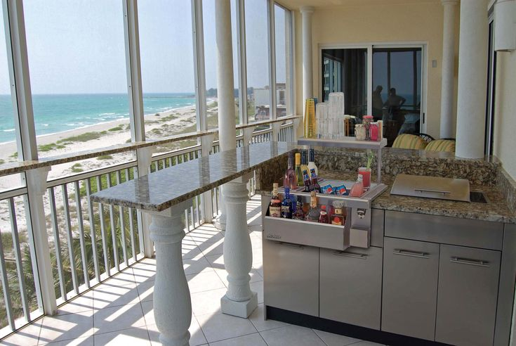 Beautiful electric grill on balcony regards to danver for Kitchen balcony ideas