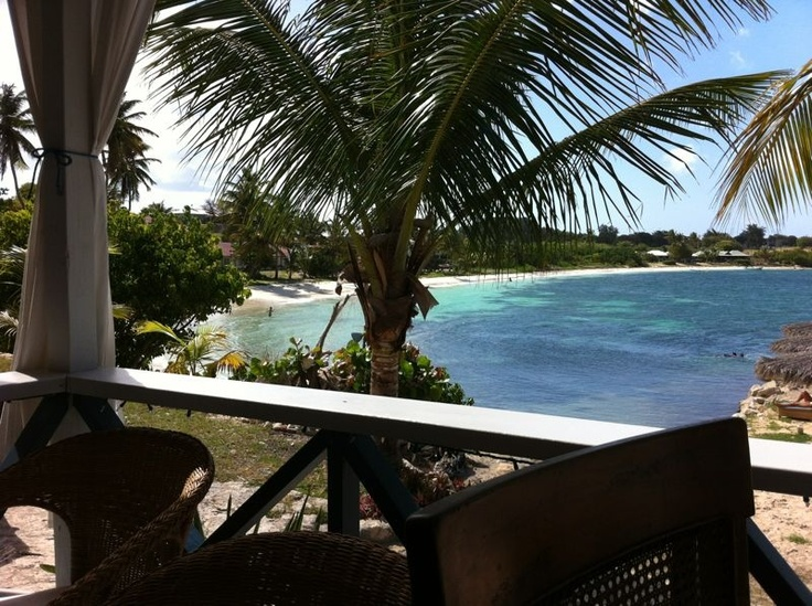 Cocktails with a beach view in Antigua