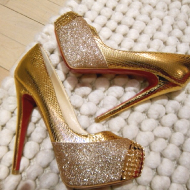 Want! Now if only I were 5 inches shorter!!!