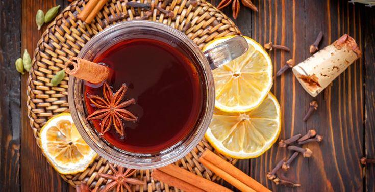 Грог, глинтвейн, пунш, крамбамбуля, сбитень и другие горячие алкогольные напитки разных стран можно приготовить самостоятельно, превратив холодный зимний вечер в теплый и уютный