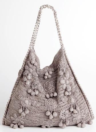 http://www.fashionbubbles.com/moda/os-maravilhosos-vestidos-e-bolsas-em-croche-e-trico-de-seda-de-vanessa-montoro-e-corello/