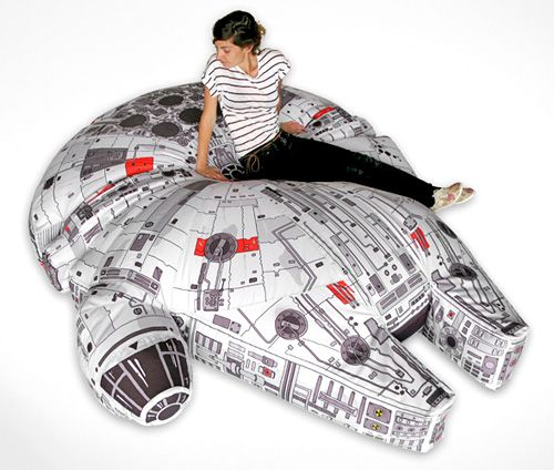 millenium falcon bean bag (sadness this is not commercially avaliable... I wonder if someone could make one for me... I dont know how... massive quilting project?)