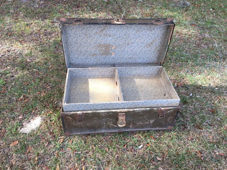 Antique Trunk, Packer Trunk, Flat Top Trunk, Chest, Luggage, Farmhouse Decor, Storage Bin, Container, by MaggieBleus on Etsy