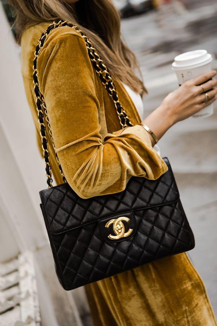 Velvet Crush The Teacher Diva A Dallas Fashion Blog Featuring Beauty Lifestyle Chanel Bag Fashion Bags Fall Fashion Coats
