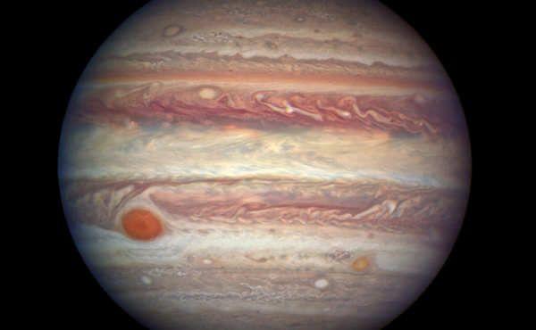 Durante el 7 de abril, Júpiter estará en oposición con la Tierra.El gigante gaseoso podrá contemplarse en el cielo cerca de la constelación de Virgo.Hoy, día 7, llega uno de los eventos más destacados de la astronomía en abril. Júpiter se encontrará en oposición con la Tierra, es decir, nuestro planeta se situará entre el gigante gaseoso y el Sol. Su localización permitirá contar con las mejores condiciones posibles para...