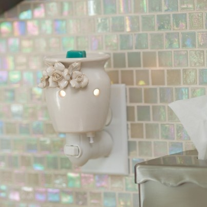 Scentsy Warmer - Flower Girl. Get yours today at wandastewart.scentsy.us