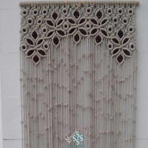 Cortina de macramé modelo reina. Confeccionamos estas cortinas a medida y por encargo. Pues encargarlas en MacrameArt, la tienda-taller del macramé.