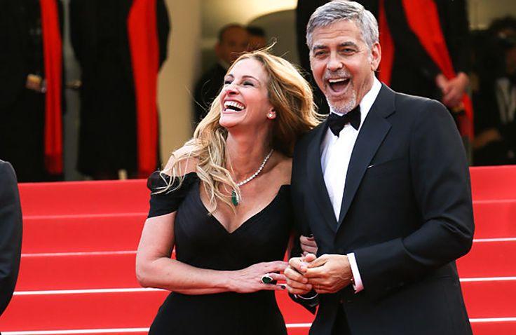 Yes She Cannes: Julia Robert op blote voeten over de rode loper >>