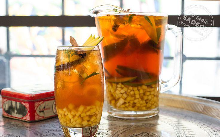 """Ballı, Tarçınlı, Mangolu Buzlu Çay - """"Dem Karaköy'deki 60 Çayın Yanında Yemelik Üç Nefis Lezzet"""""""