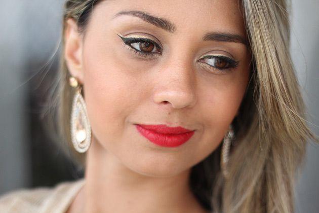 Tutorial Maquiagem sexy com delineador duplo preto e dourado | Eu Capricho