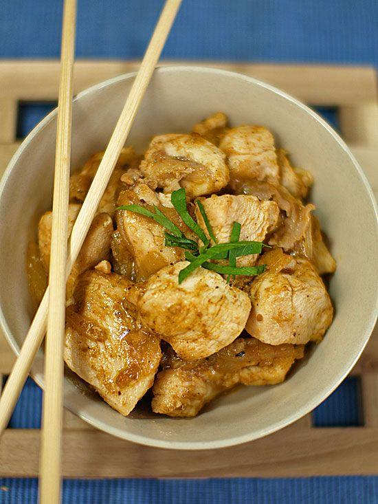 Smażony kurczak w sosie orzeszkowym