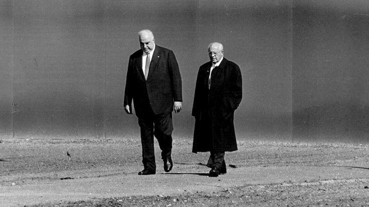 EU-Ehrenbürger Kohl und der gestürzte Kreml-Chef Gorbatschow