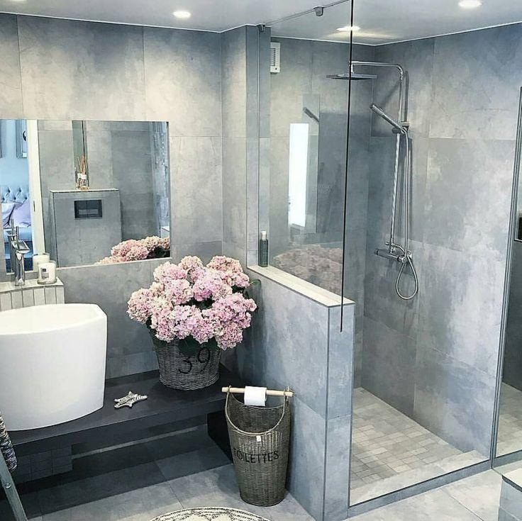 Credit @interior_juliana #bathroom #bathroomdesign