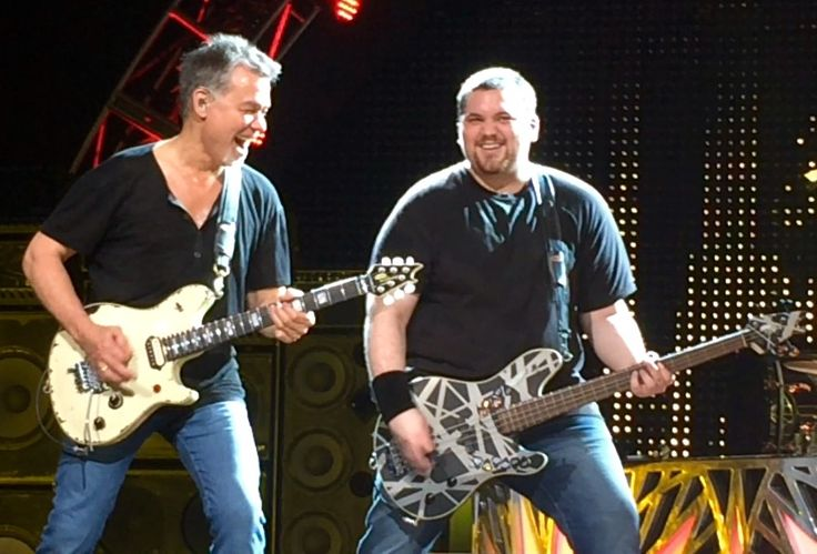 Tons of great onstage, backstage & fan photos from Van Halen's Tampa concert last night!