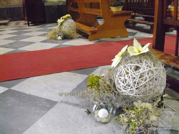 Composizioni floreali per la navata della chiesa - Fiorista Roberto Di Guida