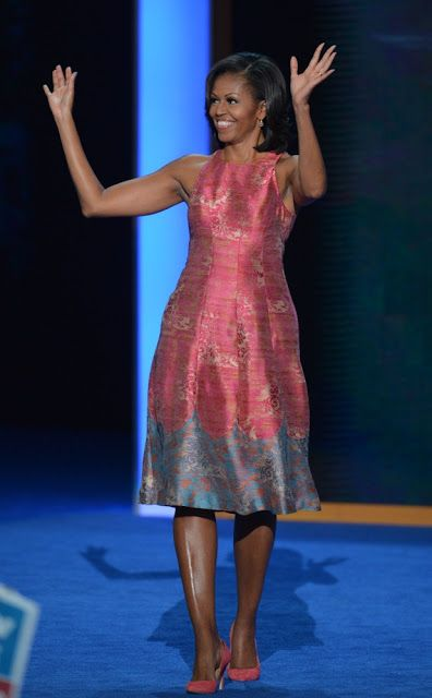 I own this Tracey Reese dress!! I love this dress. I put turquoise suede shoes with this dress but I would love to find the raspberry colored shoes Michelle paired with it.