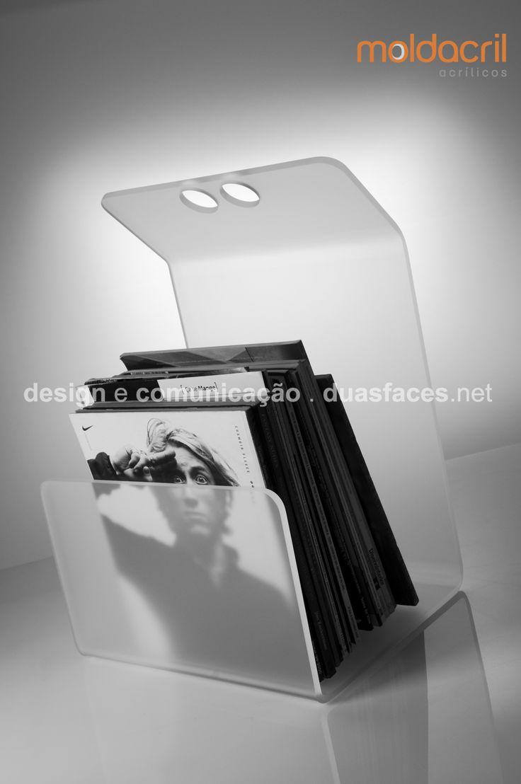 Porta - revistas acrílico fosco / Frosted acrylic magazine rack