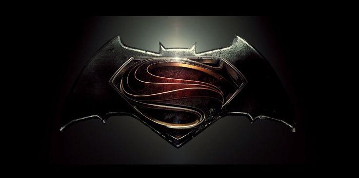 Первый официальный тизер фильма «Бэтмен против Супермена»  Видео: http://ufa-room.ru/pervyj-oficialnyj-tizer-filma-betmen-protiv-supermena-55597/  А также полная версия мультфильма «Бэтмен против Супермена», который полностью раскрывает сюжет фильма