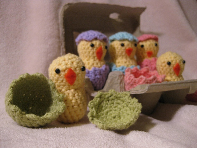 Amigurumi Hatching Easter Chicks : Hatching Easter Eggs Amigurumi - Crochet - Misc Pinterest