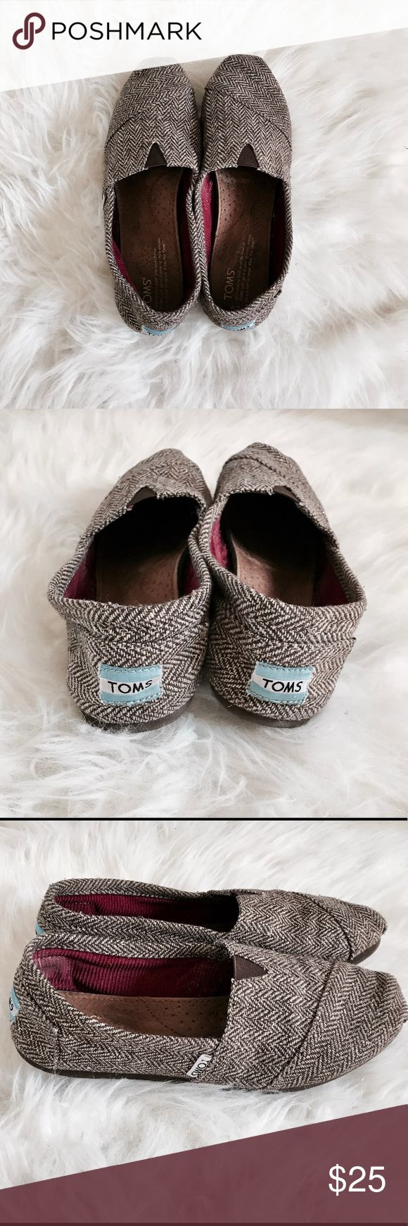 Fall Chevron TOMS 🍁 Gently Used, Very Clean! Size 7 🍂 Toms Shoes